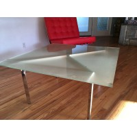 Barcelona Square Table