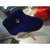 Eames La Chaise Padded
